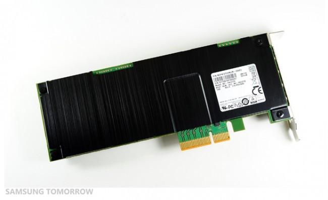 Samsung начала массовое производство 3,2 ТБ 3D V NAND SSD памяти для серверов с интерфейсом NVMe