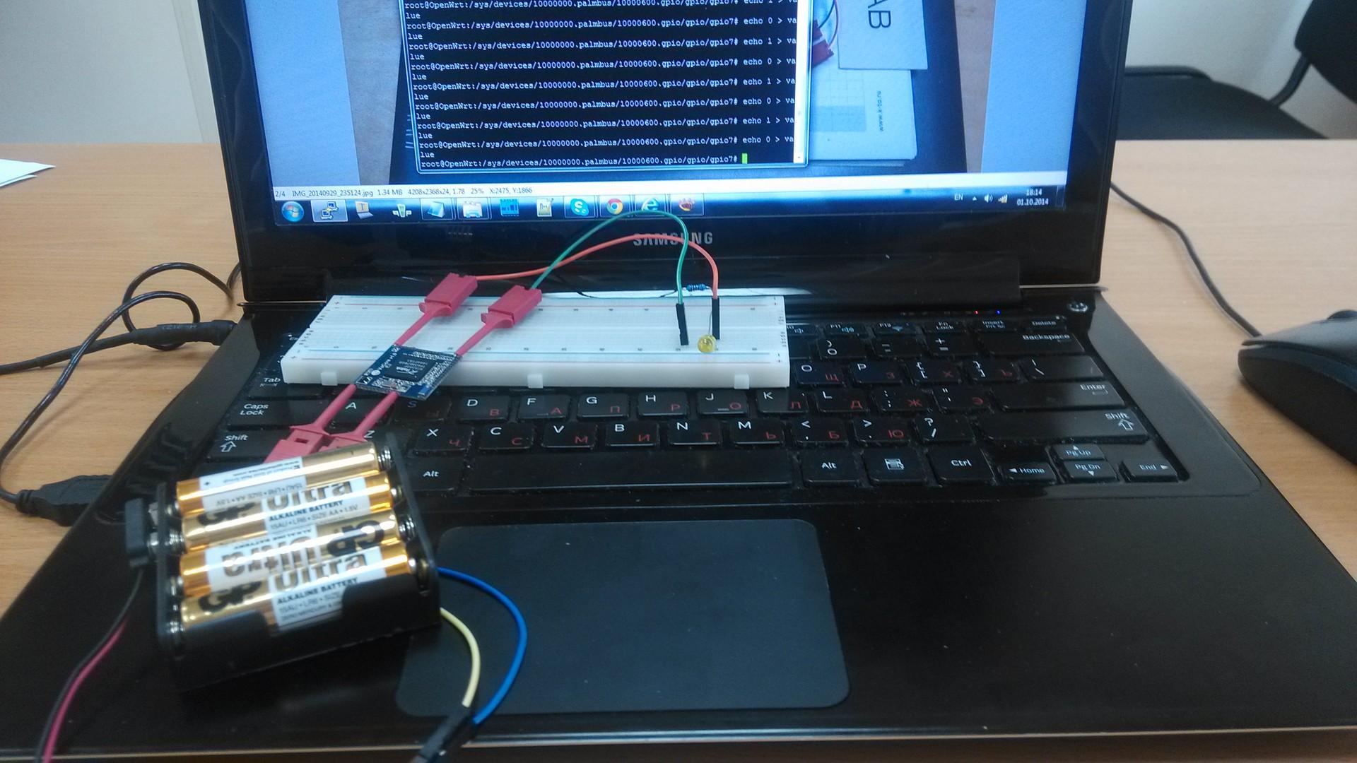 Тестируем VoCore в хакспейсе — микро компьютер с WiFi на Linux OpenWrt