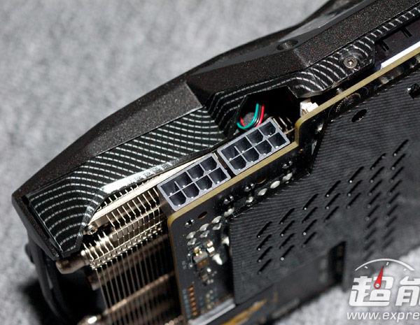 От референсного образца Nvidia GeForce GTX 980 изделие Zotac отличается как печатной платой, так и системой охлаждения