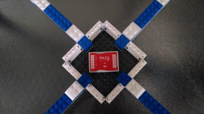 Brick Drone — квадрокоптер из конструктора LEGO