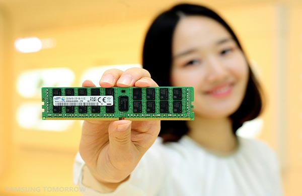 Samsung начинает серийный выпуск первых в отрасли модулей памяти DDR4 из 20-нанометровых компонентов плотностью 8 Гбит