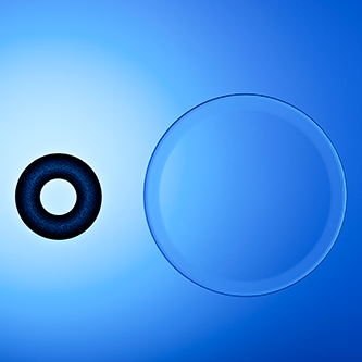 Очки больше не нужны: KAMRA Vision решает проблему дальнозоркости