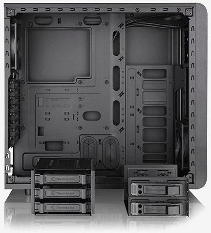 В боковой стенке корпуса для ПК Thermaltake Core V31 есть больше окно