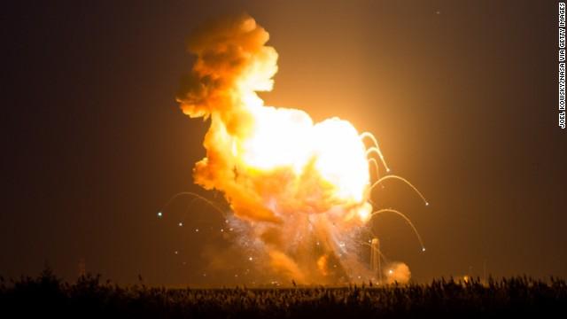Космический грузовик Cygnus был взорван самим оператором после неудачного запуска