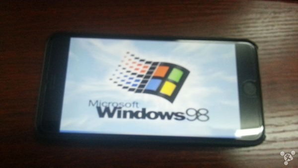 Windows 98 запустили на iPhone 6 Plus