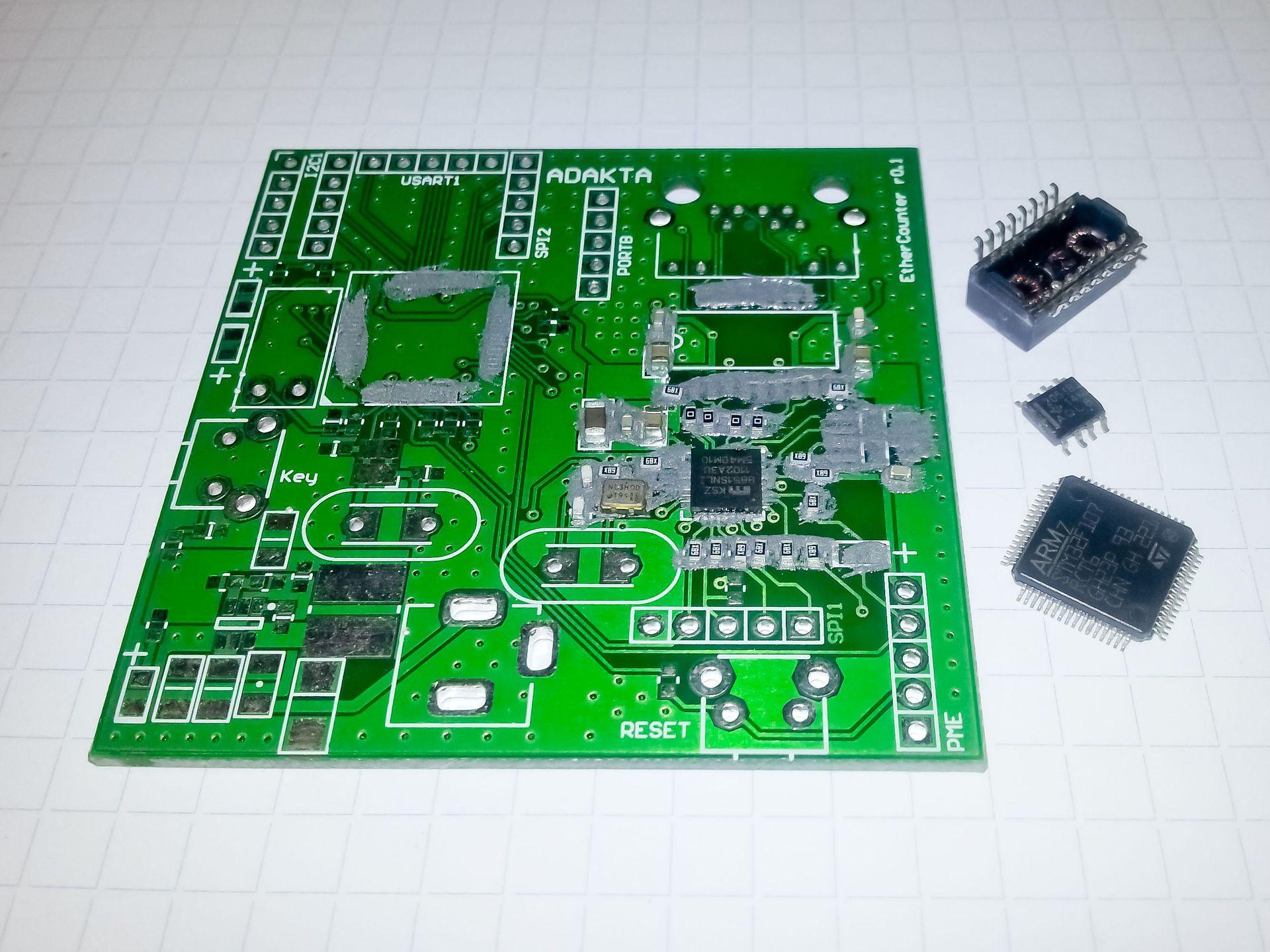 Ручной монтаж сложных плат на компонентах 0402, 0603, QFN, LQFP и THT - 12