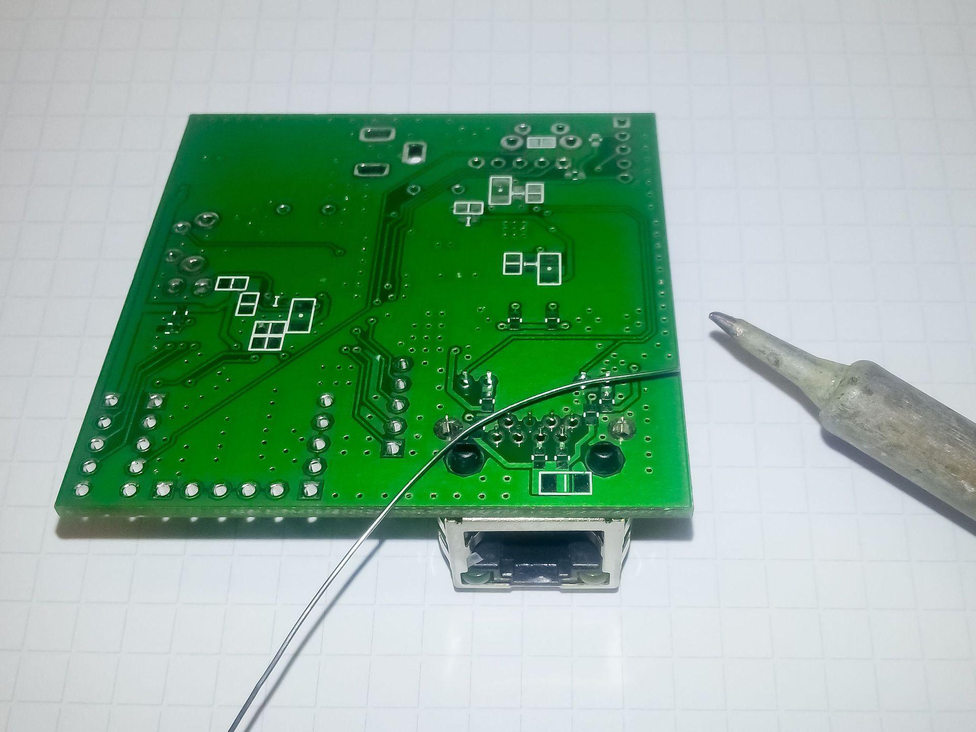 Ручной монтаж сложных плат на компонентах 0402, 0603, QFN, LQFP и THT - 15