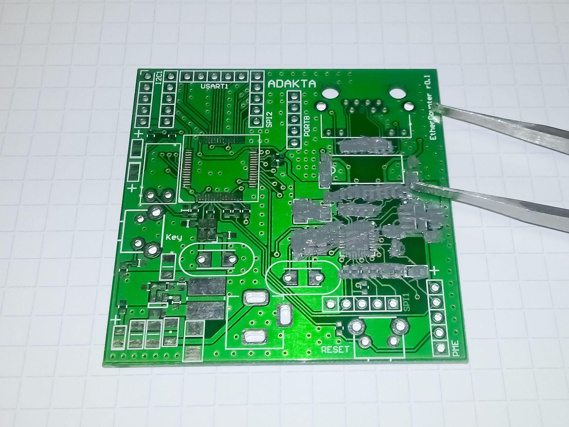 Ручной монтаж сложных плат на компонентах 0402, 0603, QFN, LQFP и THT - 7