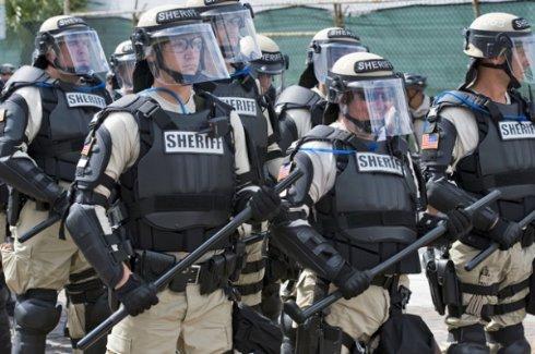 Полиция США сделает из своих сотрудников робокопов