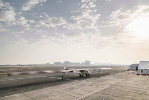 Самолет без топлива облетит всю Землю (ФОТО)