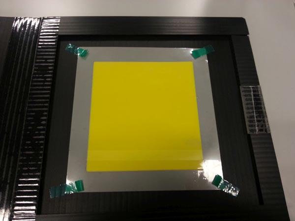 Люминофор на подложке из кремнийорганической резины повышает яркость белых светодиодов