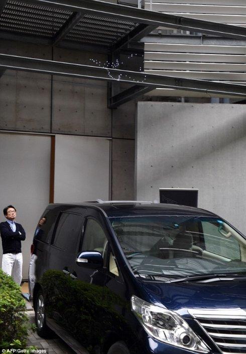 Подражая супергерою, японцы создали бэт сигнал