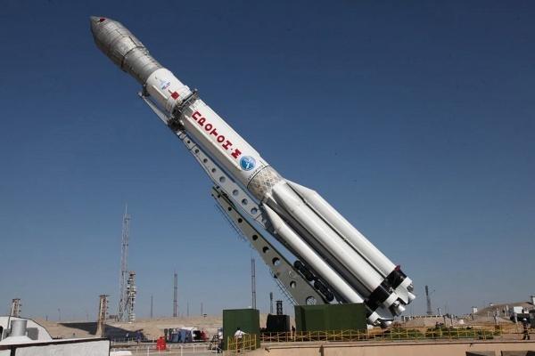 Роскосмос успешно вывел на орбиту британский спутник - 1