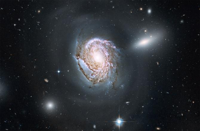 Хаббл постоянно обнаруживает галактики расположенные очень далеко от нас - 4