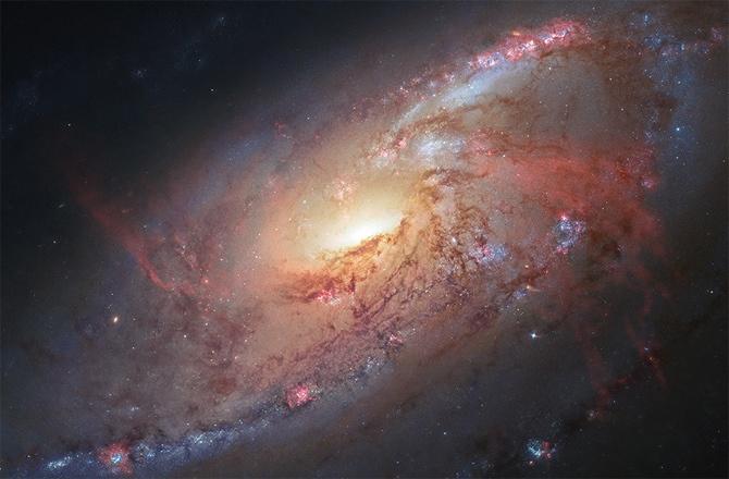 Хаббл постоянно обнаруживает галактики расположенные очень далеко от нас - 8