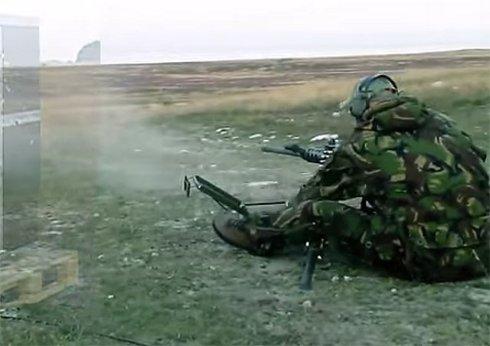 Уникальная стенка защитит от любого стрелкового оружия (ВИДЕО)