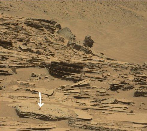 На Марсе обнаружили каменное кладбище: плиты и кресты