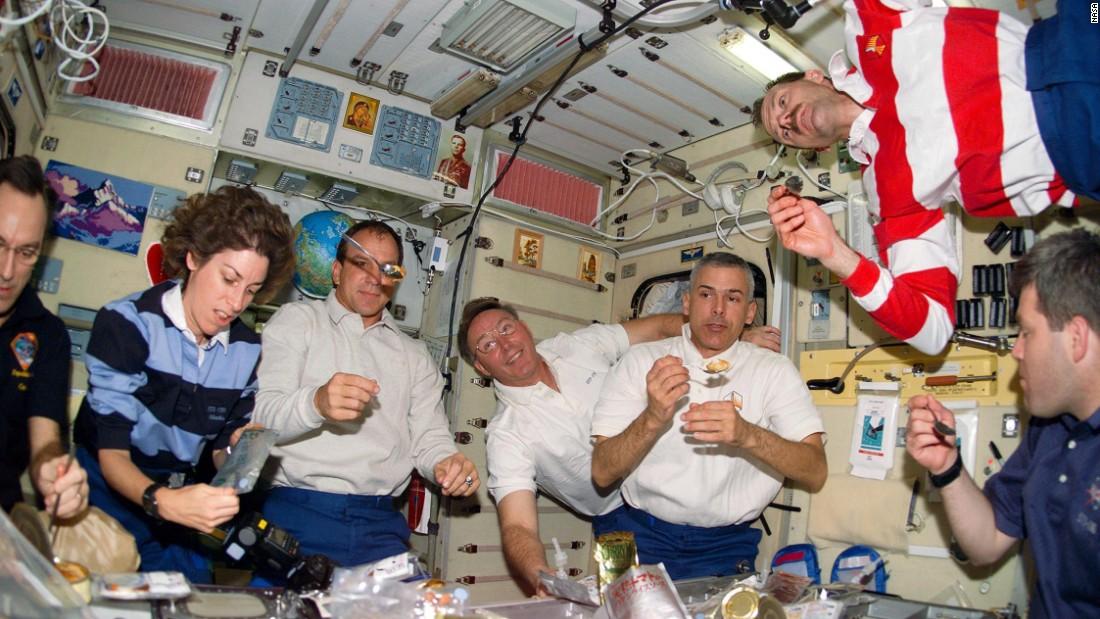 Космический обед: чем кормит НАСА - 2