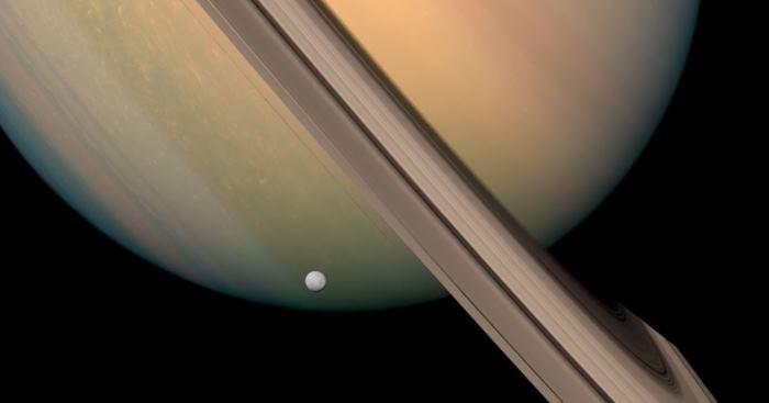 Пролет «Кассини» рядом с Сатурном: анимационное видео в 4К - 1