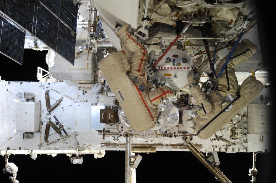 Беседа с космонавтом: об управлении МКС, об орбитальном интернете, и о полете на Марс - 4