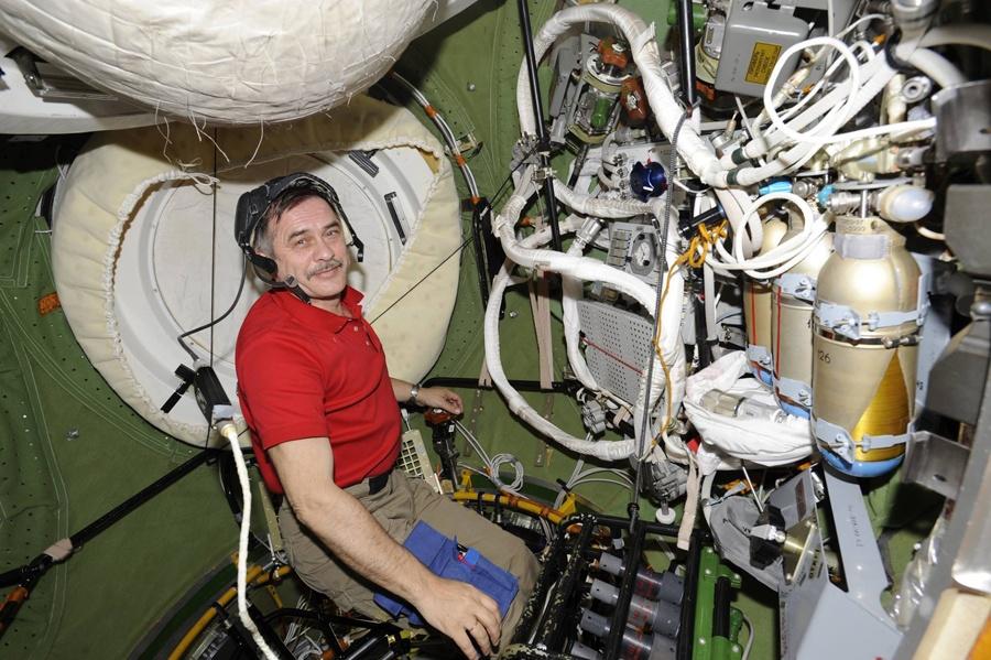 Беседа с космонавтом: об управлении МКС, об орбитальном интернете, и о полете на Марс - 6