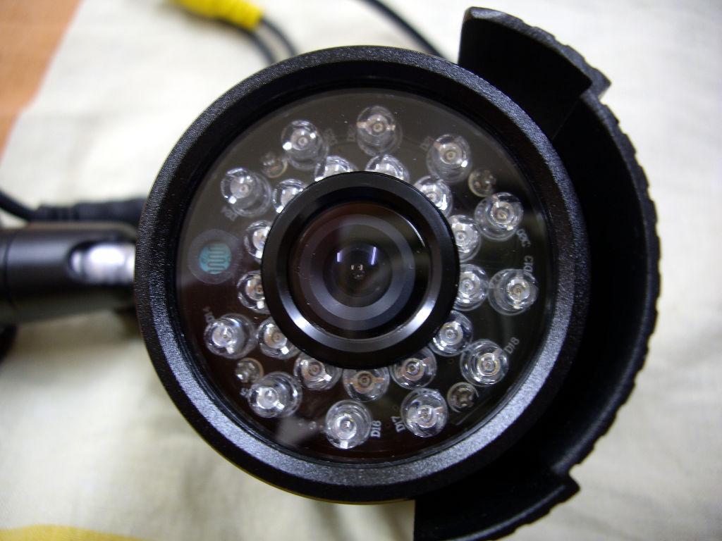 Бюджетный комплект видеонаблюдения для наружного использования - 15