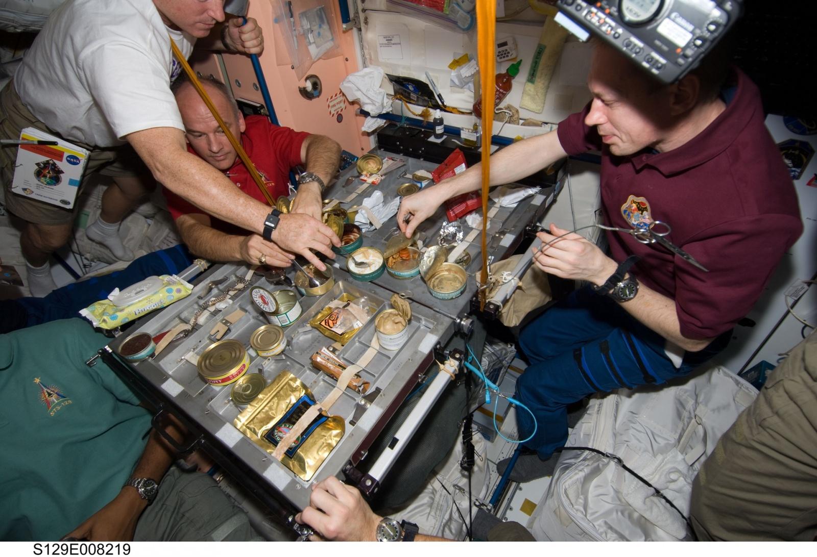 Как выглядит рабочий день на МКС - 6