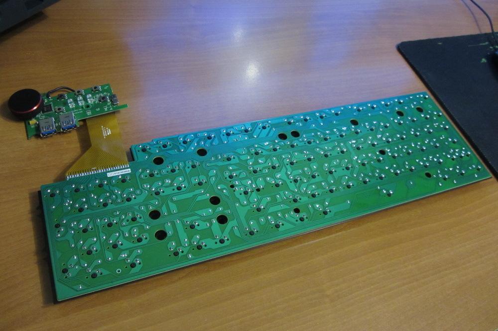 Обзор и разбор клавиатуры Das Keyboard 4 Professional Clicky - 31
