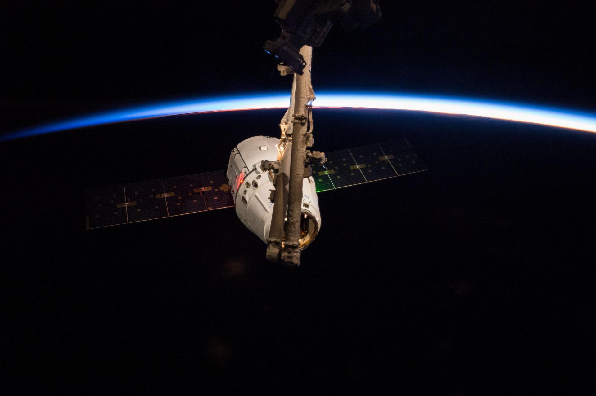 SpaceX вновь отложила запуск Falcon 9 - 2