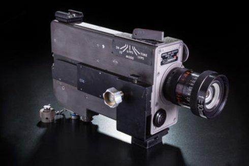 Вдова космонавта Армстронга обнаружила камеру из лунной миссии