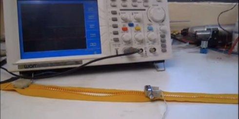 Zipperbot   миниатюрный робот застёжка