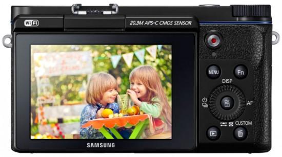 Основой камеры Samsung NX3300 служит датчик изображения типа CMOS формата APS-C