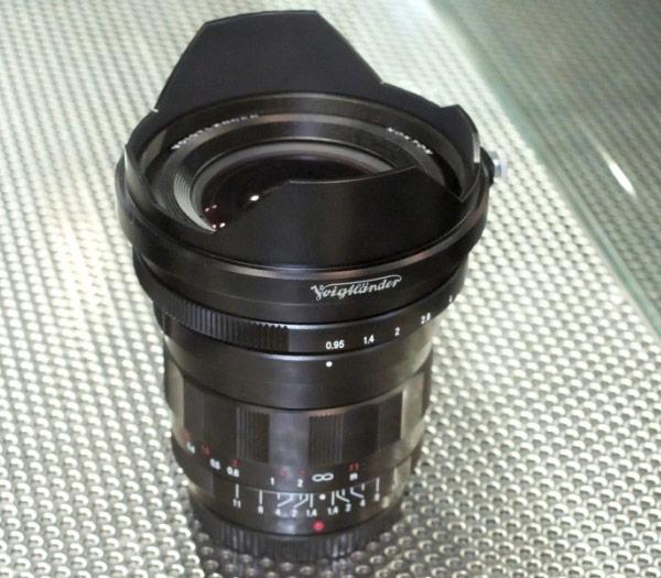 Когда объектив Voigtlander Nokton 10.5mm/F0,95 появится в продаже — неизвестно