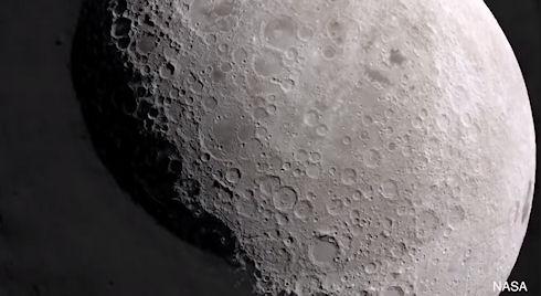 Ученые рассказали о метеоритных бомбардировках Луны (ВИДЕО)
