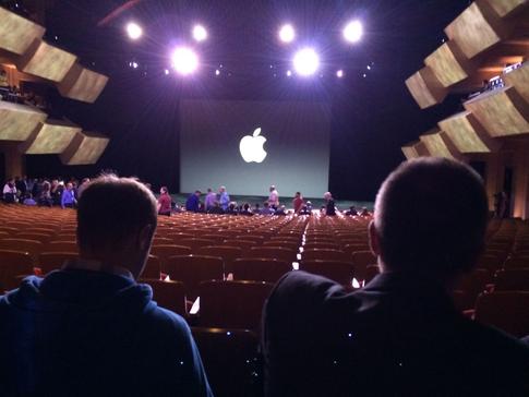 Стив Джобс представляет iPhone 6 и Apple Watch - 9