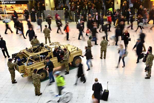 Армия Великобритании использует очки виртуальной реальности для привлечения новобранцев - 3