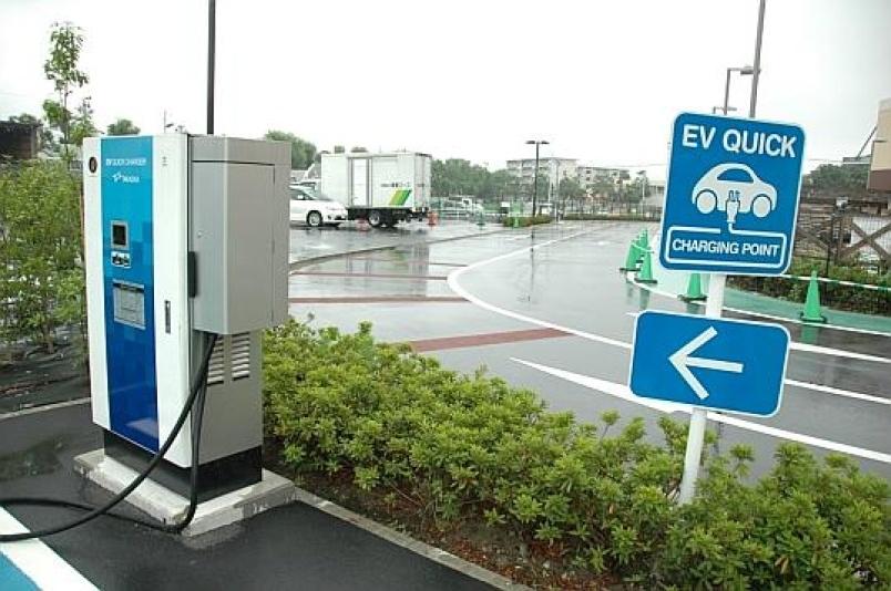 В Японии зарядных станций для электромобилей больше, чем АЗС - 1