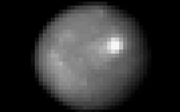 Зонд Dawn прислал новые снимки Цереры - 1