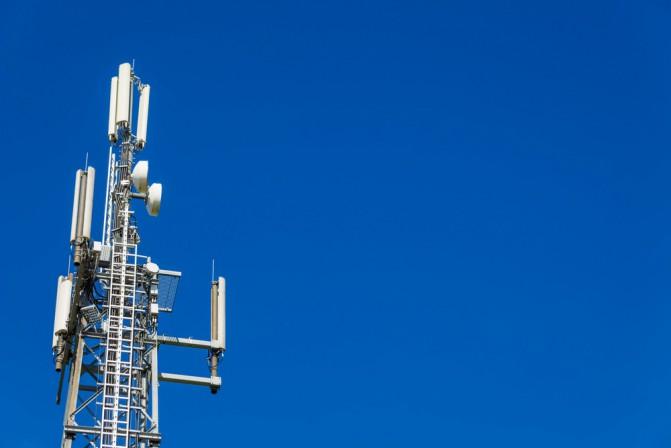 Три крупнейших оператора мобильных сетей Украины приобрели лицензии на 3G связь - 1