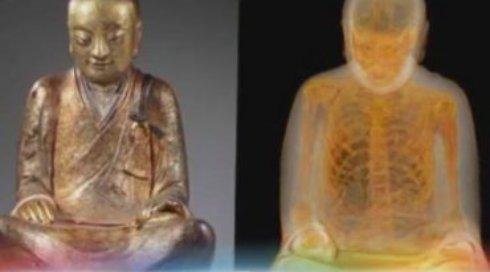 В тысячелетней статуи Будды обнаружена мумия монаха (ВИДЕО)