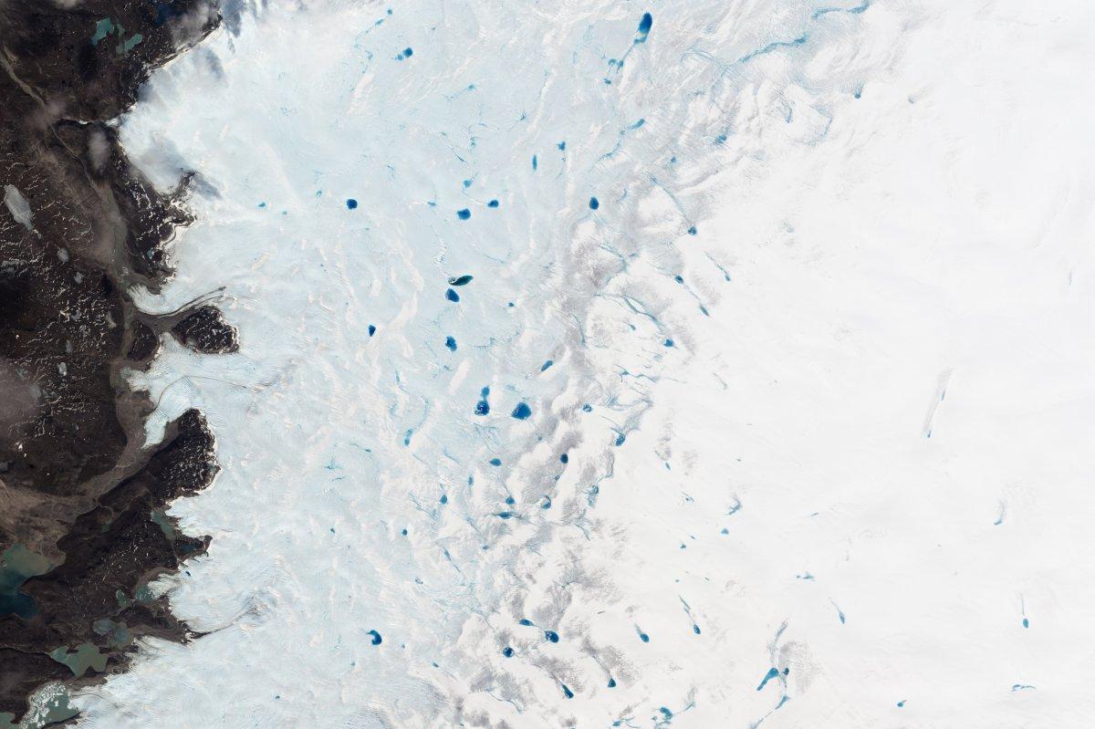 Рекурсивная фотография от NASA: остров в озере на острове в озере на острове - 7