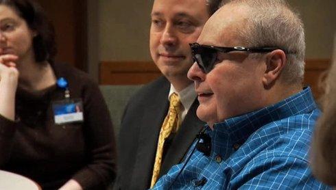 Американские врачи вживили слепому пациенту бионический глаз