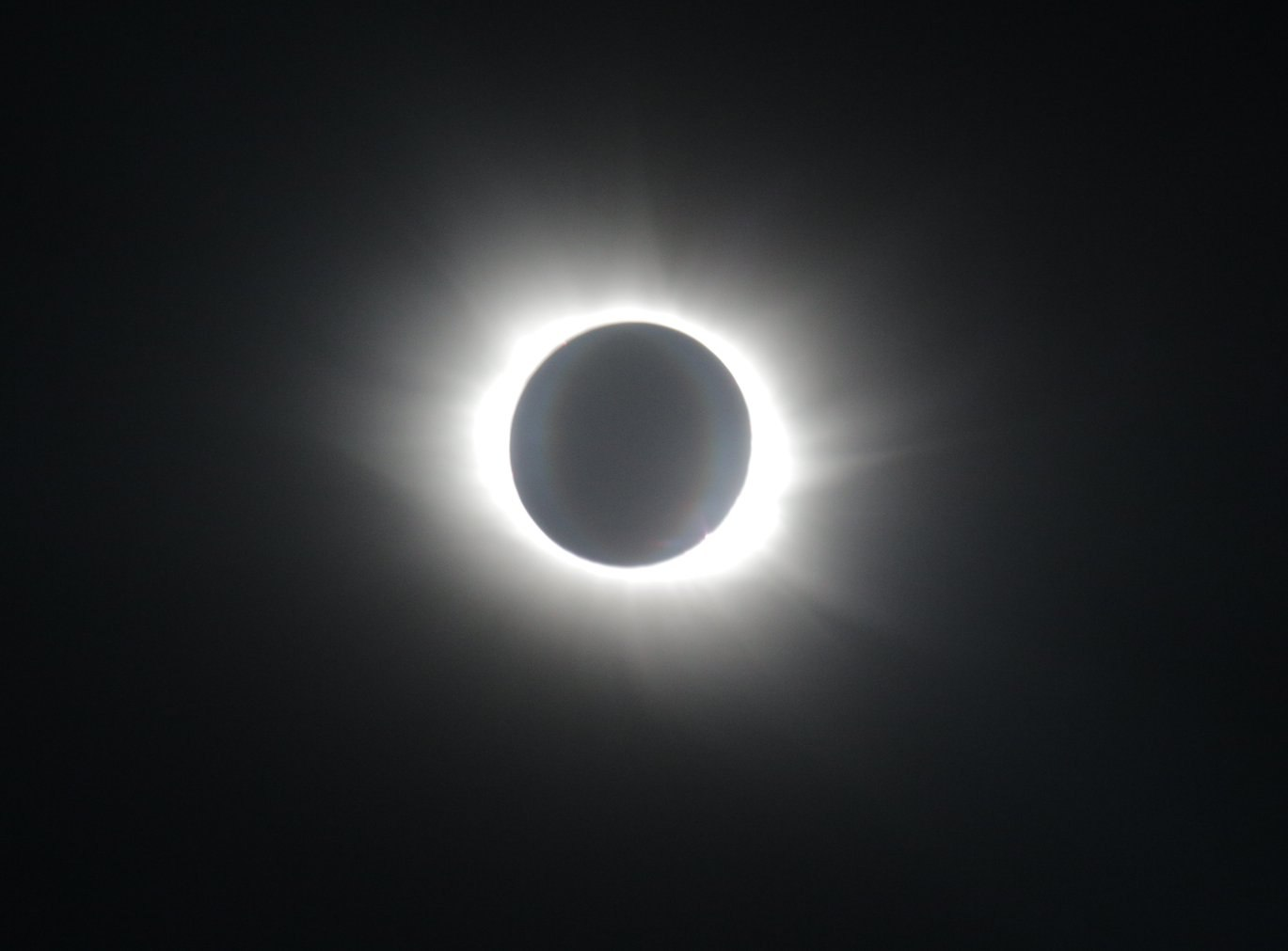 Солнечное затмение с воздуха и из космоса - 26