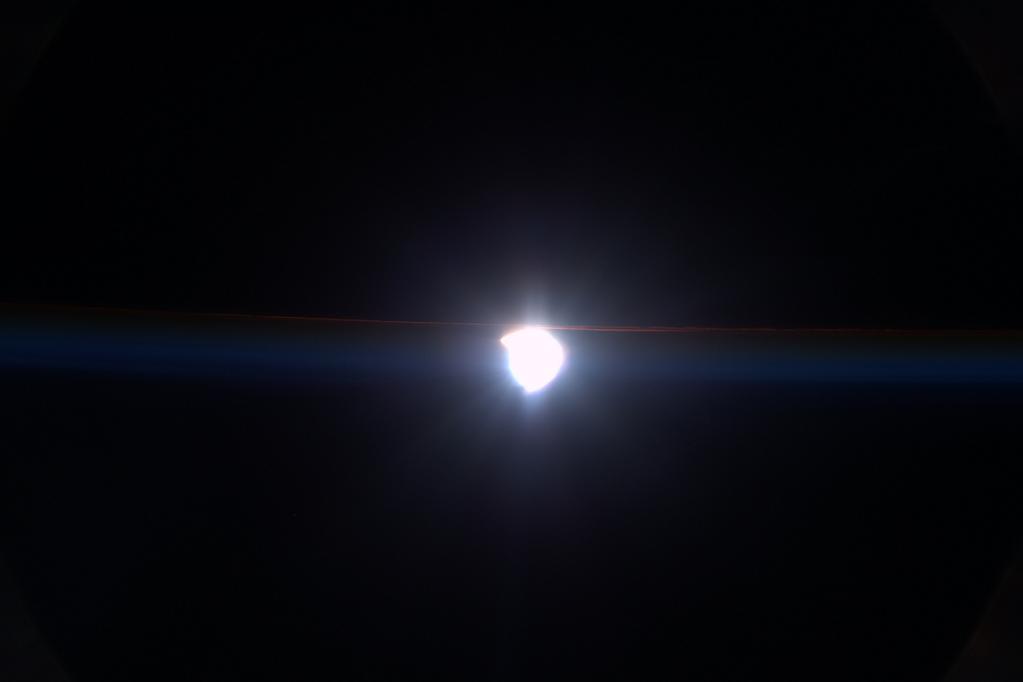 Солнечное затмение с воздуха и из космоса - 39