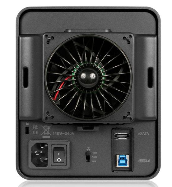 Внешнее шасси Icy Dock ICYCube MB561U3S-4SB оснащено интерфейсами USB 3.0 и eSATA