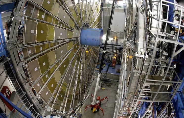 Большой адронный коллайдер вновь запущен - 2