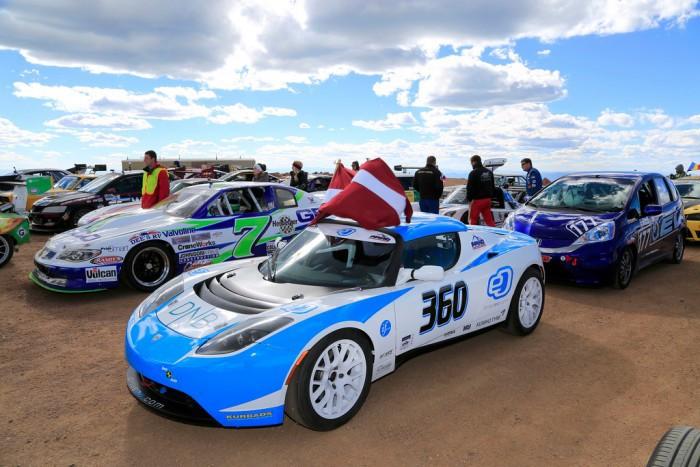 Гоночный электромобиль мощностью 1 мегаватт - 2
