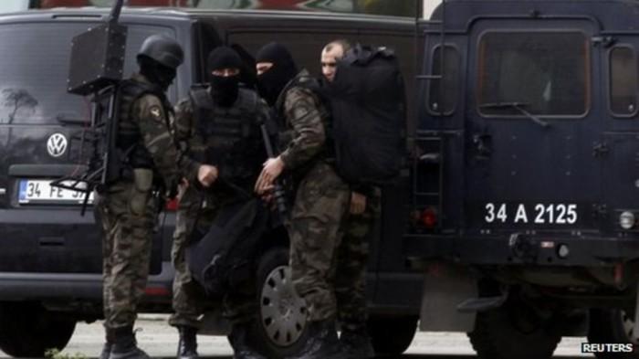 Турция заблокировала 166 сайтов, в том числе YouTube (из-за фото заложника) - 4