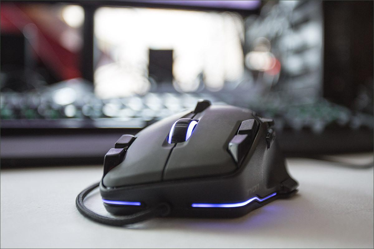Roccat Tyon Black: гибрид мышки и геймпада - 27