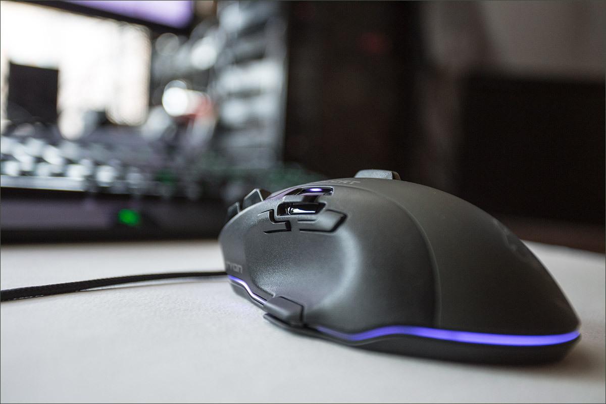 Roccat Tyon Black: гибрид мышки и геймпада - 3